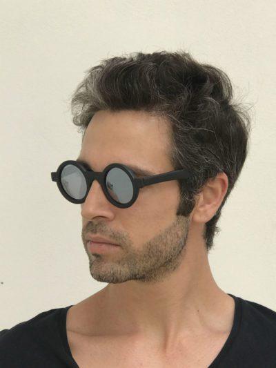 black round sunglasses mirror lens