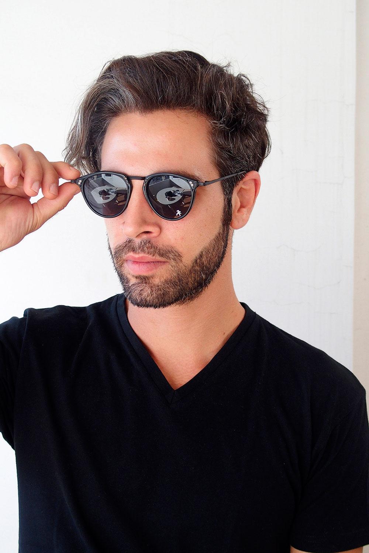 round retro sunglasses plastic and embossed metal frame