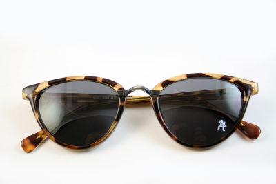 Retro cat eye sunglasses tortoiseshell frame black lens Hi Tek model HT-5556