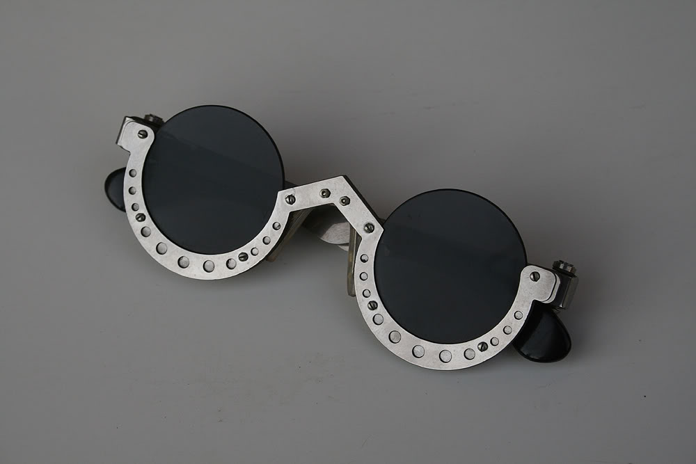 *** SOLD OUT *** Hi Tek round silver metal sunglasses cult-9 unusual unique