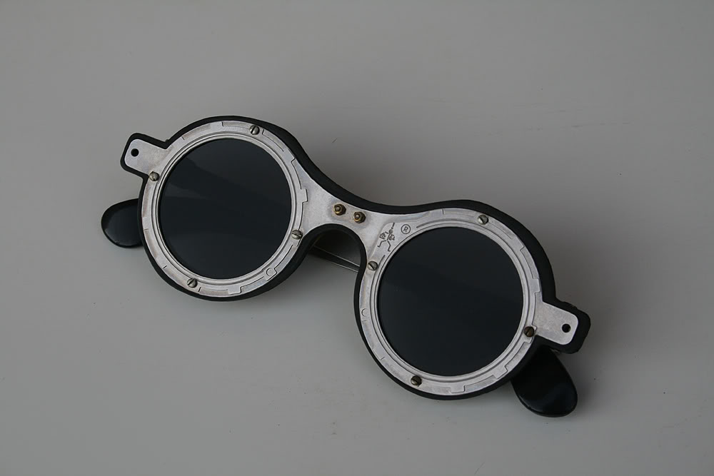 ***SOLD OUT*** Hi Tek round silver metal sunglasses cult-10 handmade unusual