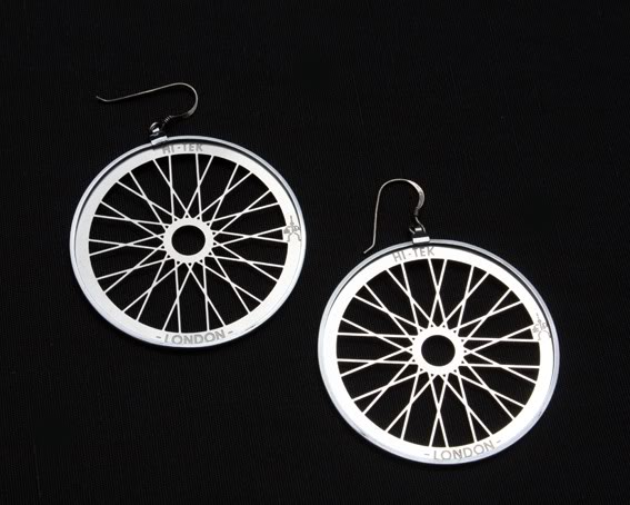 round metal hoop earrings Hi Tek