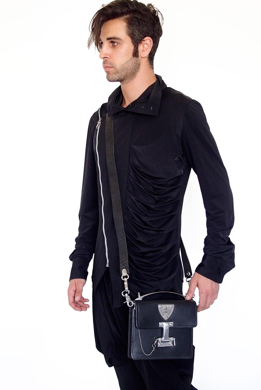 black leather crossbosy bag
