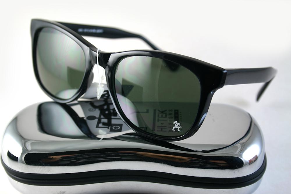 Retro Square black sunglasses lens color option 1990s Wayfarer style HT-92112