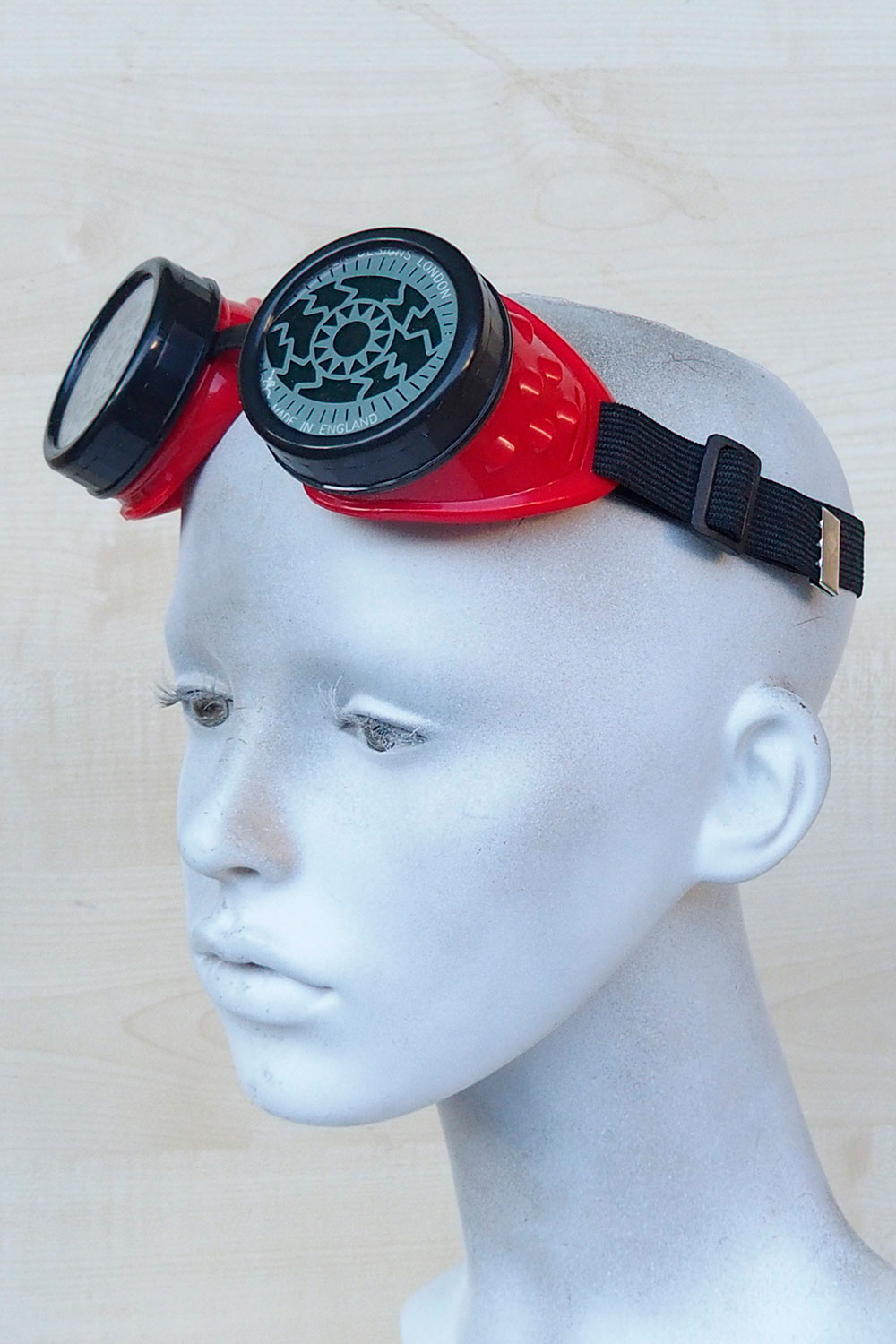 steampunk goggles stainless steel lens red plastic cups EYE