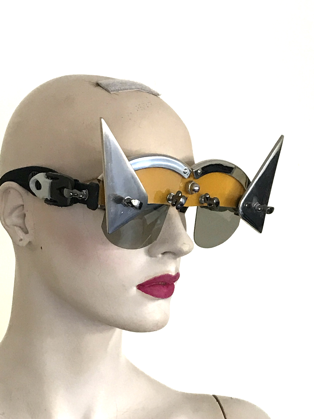 unususal eyewear