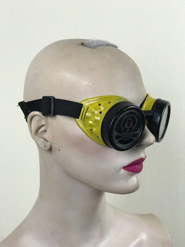 steampunk goggles metal ocular lens blck plastic cups SKULL