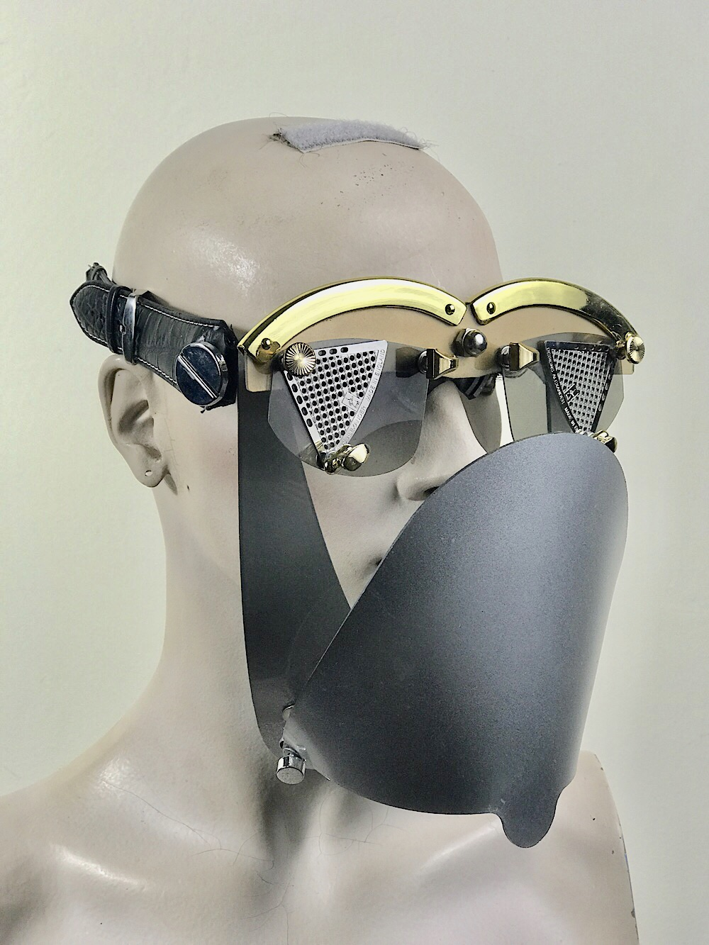 eye wear mask with metal lenses and silver grey muzzle futuristic fantasy  modern steampunk unusual Hi Tek
