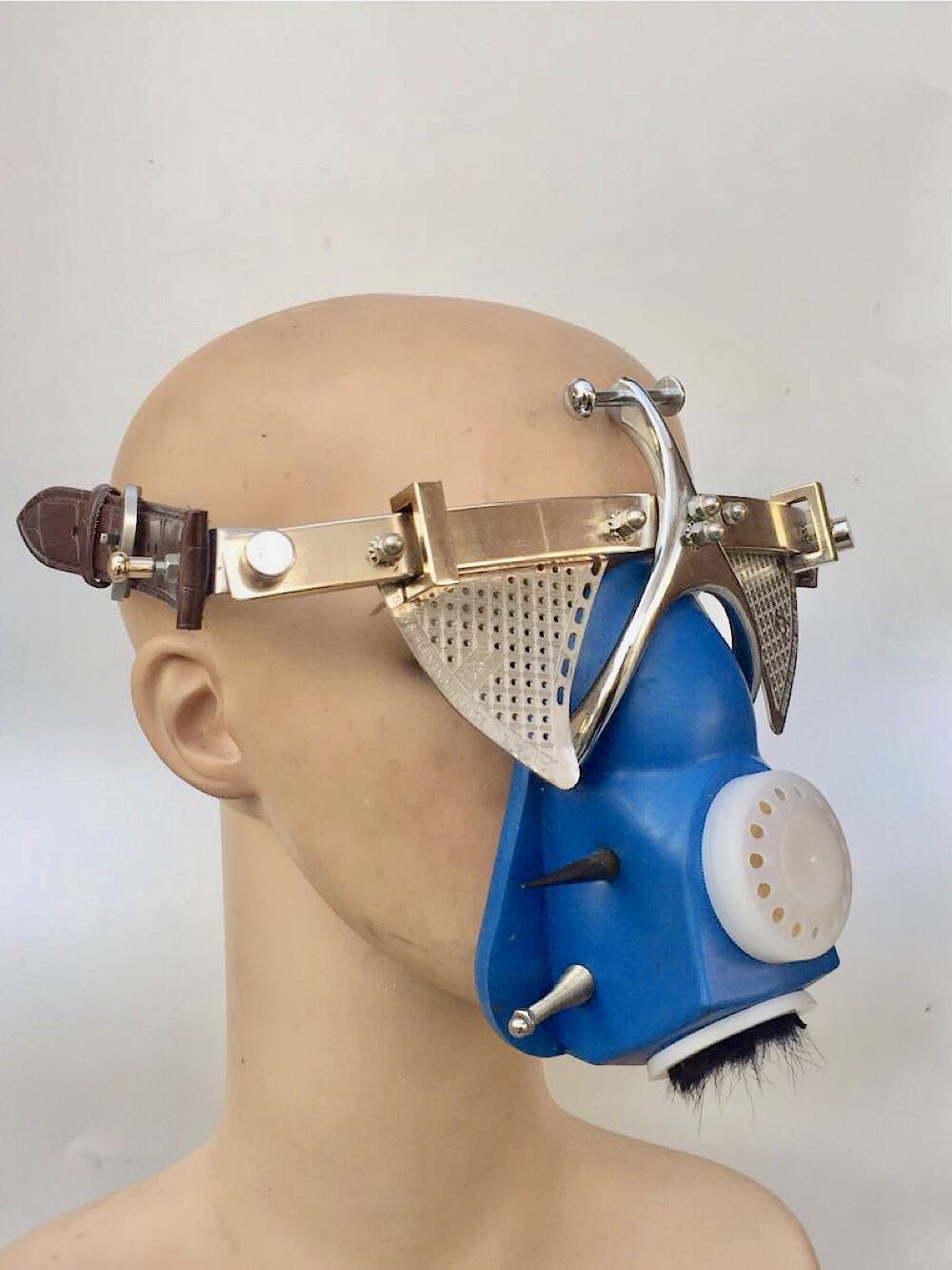 Metal mask with muzzle, gas mask with spikes for Photoshoot video filming Cosplay