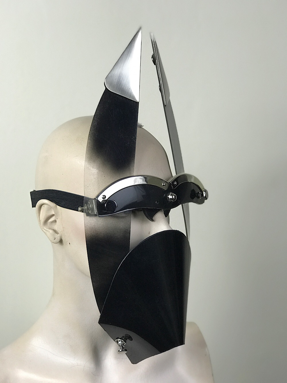 Black mask with triangular horns muzzle styling video, costume